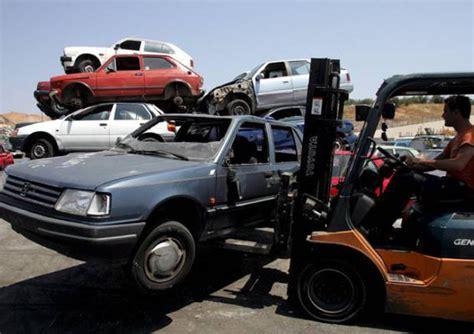 norme si鑒e auto rottamazione auto costi e documenti necessari norme e istituzioni ansa it
