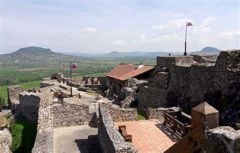 A legnépszerűbb magyar várnak számít. Szigligeti vár - Magyarország egyik leglátogatottabb vára ...