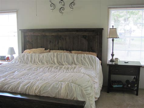 ana white farmhouse king size bed  matching bedside