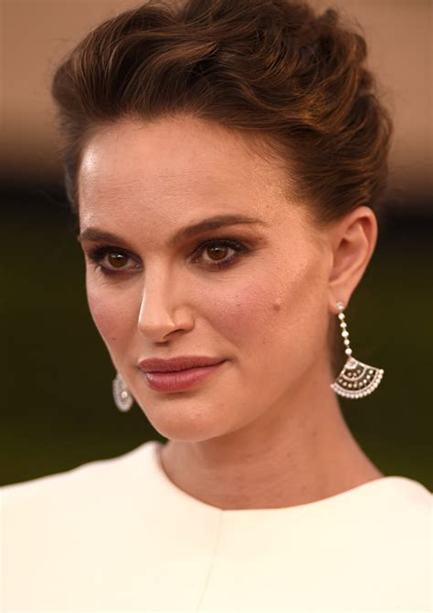 Natalie Portman Goes For High Drama, In Christian Dior