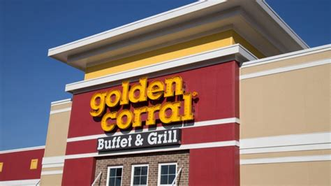 golden corral restaurant early bird things christmas restaurants buffet specials seniors shutterstock know need chain slideshow open sheldon george grill