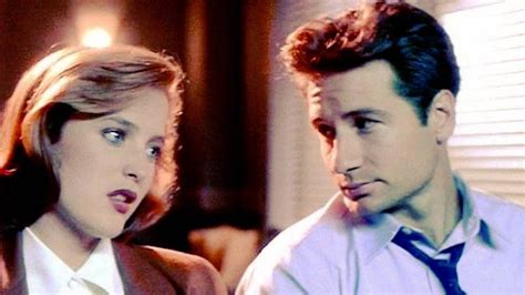 scully and scully ls 7 beautiful mulder scully moments we ve been obsessing