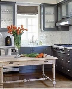 meubles cuisine peints gris moyen plan de travail resine With charming couleur gris taupe peinture 15 16 deco de chambre grise pour une ambiance zen deco cool