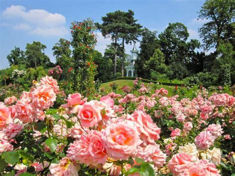 Parc De Bagatelle à Paris  Balades  Ile De France