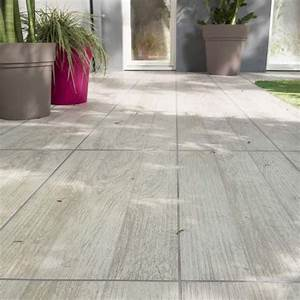 1000 ideas about carrelage terrasse exterieur on With parquet exterieur castorama