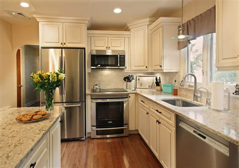 cambria windermere paired with a noce subway style backsplash