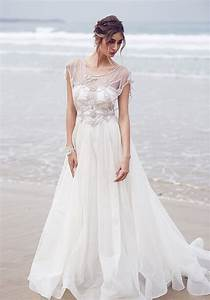 31 delicate and chic flowy wedding dresses weddingomania With flowy wedding dress with sleeves