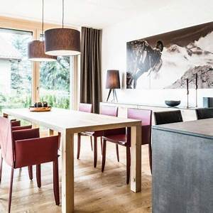 Küchen Und Esszimmerstühle : stimmungsvolles alpinchalet mit einer intuo k che mit ~ Watch28wear.com Haus und Dekorationen
