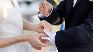 wedding gifts bride to groom wedding rings gifts h With wedding gifts from groom to bride
