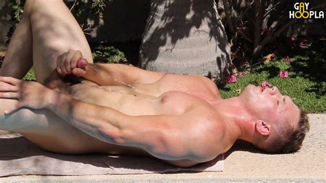 Model Of The Day Brad Bison Daily Squirt