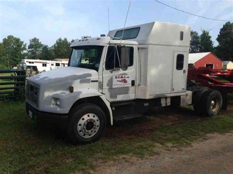 freightliner fl  medium trucks