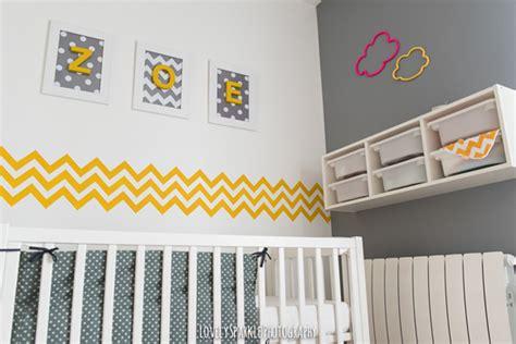 chambre bébé gris et jaune deco chambre bebe jaune et gris