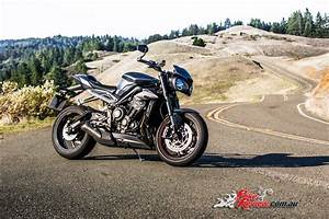 Street Triple 2017 : 3 new street triple variants unveiled for 2017 bike review ~ Maxctalentgroup.com Avis de Voitures