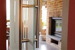 comment choisir une porte d39entree bienchezmoi With porte d entrée alu avec adoucisseur d eau pour salle de bain