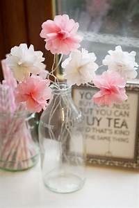 Papierblumen Aus Servietten : papierblumen muttertag basteln ideen geschenk glasflasche vase ideen rund ums haus ~ Yasmunasinghe.com Haus und Dekorationen