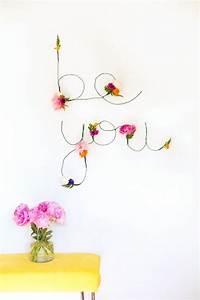 diy deco murale pour donner de l39eclat a vos murs With affiche chambre bébé avec fleur artificielle coeur