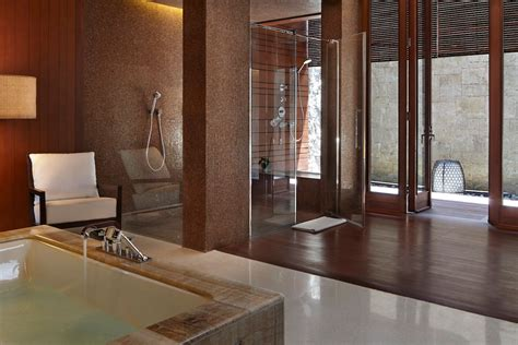 7 villa bathrooms with spa like ambience