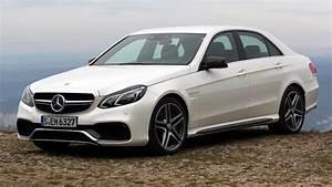 Mercedes Classe C Blanche : essai vid o mercedes classe e 63 amg s 4matic transmutation r ussie ~ Gottalentnigeria.com Avis de Voitures