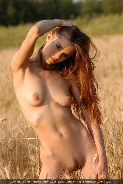 Natural Nude Beauty By Zemani Erotic Beauties
