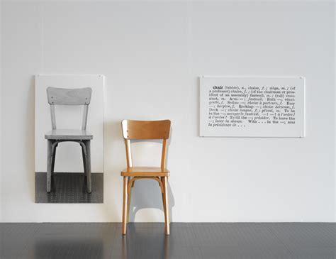 une et trois chaises l contemporain dans les collections du musée dossier