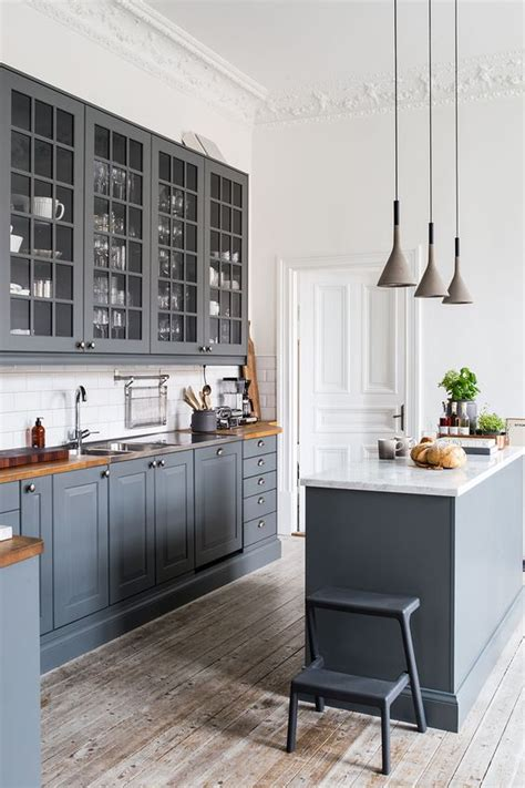 kitchen with large island 30 grey kitchens that you ll never want to leave digsdigs