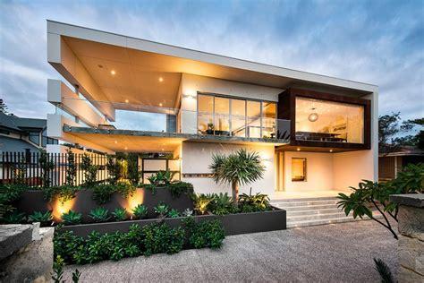 Jolie Maison Contemporaine Construite Dans La Ville