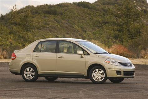 nissan versa sedan  picture number