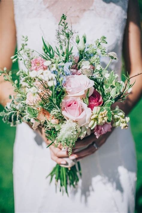 What's Your Wedding Flower Style?  Scottish Wedding Directory