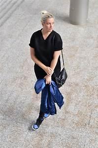 Black u0026 Blue - Girl on kicks