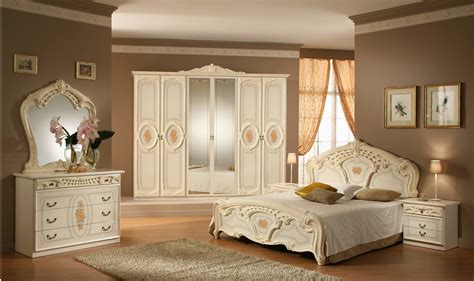 Vintage Bedroom Furniture by Give Your Bedroom A Royal Look With Vintage Bedroom