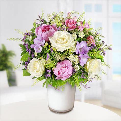 Tulpenstrauß In Vase by Blumenstrau 223 Lichtblick Mit Weisser Vase Blume2000
