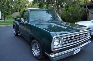 1974 Dodge D100 Pickup Truck