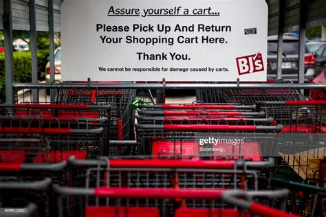 shopping carts sit   bjs wholesale club holdings