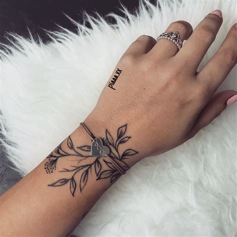 tattoo blaetter handgelenk hand schmuck tats tattoos