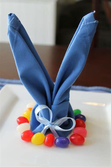Tisch Eindecken Zu Ostern 6 Einfache Servietten Falttechniken Fuer Ein Froehliches Osteressen by Die Besten 25 Servietten Falten Ostern Ideen Auf