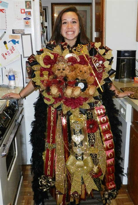 large homecoming mums homecoming mum as a mi girl i really don t get this tradition southern girls wear these huge