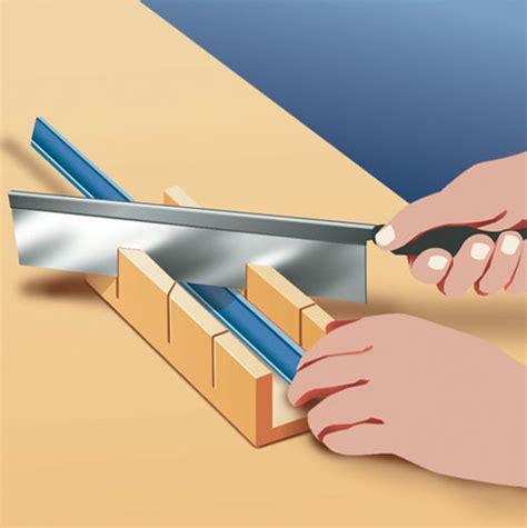 tipps für gehrung schneiden deckenleisten auf gehrung schneiden deckenleisten anbringen richtig auf gehrung schneiden und