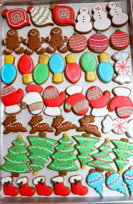 Video tutorial on how to decorate christmas cookies using simple designs perfect for beginners. Christmas Cookies   Sweetopia