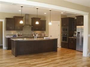 Layout with walkin pantry kitchens pinterest pantry for Kitchen layout with corner pantry
