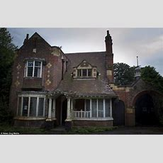 Abandoned Grade Iilisted Home In Moseley, Birmingham, Left To Decay  Daily Mail Online