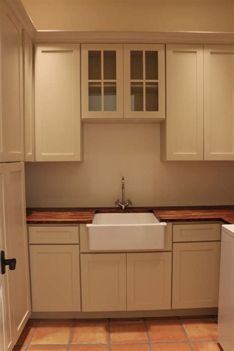 Dusty Coyote: Laundry Room / Butler's Pantry