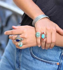 Summer is coming it39s time to wear oversized rings for Grosse bague