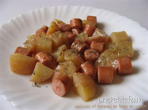 saucisses et pommes de terre en salade une petite faim