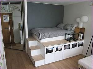 Stauraumbett 140x200 : diy king size platform bed with storage shelving ~ Pilothousefishingboats.com Haus und Dekorationen