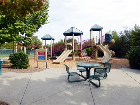 parks with playgrounds in placer county granite bay
