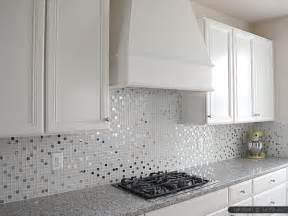 pictures of kitchen backsplashes with white cabinets white color kitchen backsplash tile ideas
