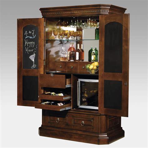 hide  bar liquor cabinet  meant     armoire