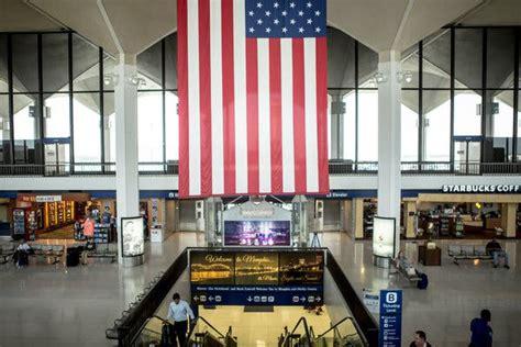 trouble   memphis airport  crowds