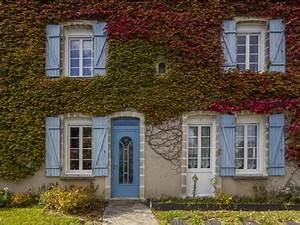 Fenêtres PVC, Couffé, porte d'entrée alu par TRYBA : rénovation d'une maison dans le 44