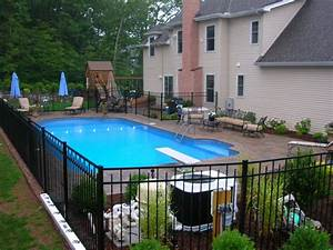 Pool fence ideas for beauty privacy and safety for Inground swimming pool designs ideas